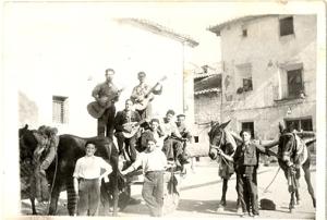Foto antigua de una ronda